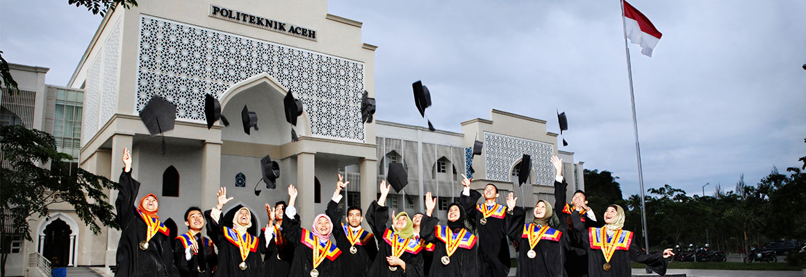 Politeknik Aceh's first graduation in 2011